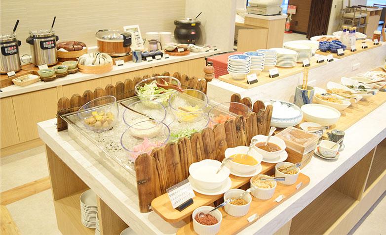 画像:Breakfast buffet